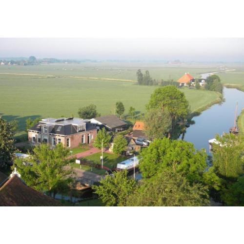 B&B Friesland, bed and breakfast, geen kamertje, hele woning