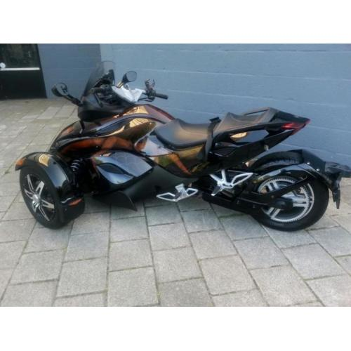 Can am Spyder. AUTOMAAT Special Paint Led en veel extra's