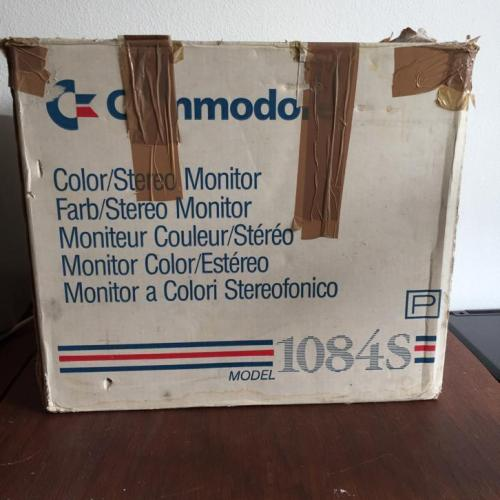 Commodore 1084 rgb monitor in doos plus boekjes!