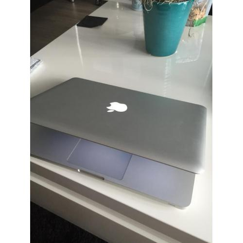 Macbook pro 13 250 GB SSD + 8GB RAM