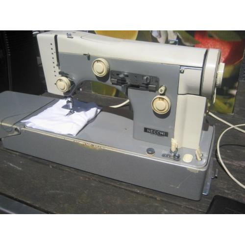 Naaimachine necchi super nova julia 534
