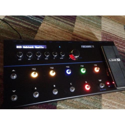 Line 6 Firehawk FX HD multi-effect met Bluetooth