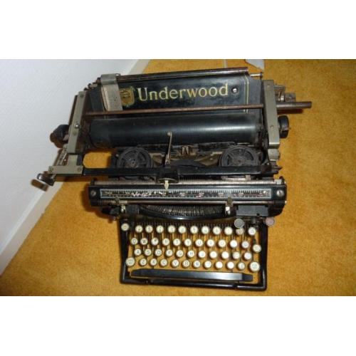 Typmachine Underwood