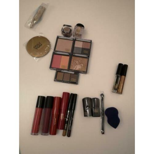 Only you make-up set